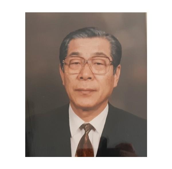14대 이사장 김태동(1989-1992).jpg
