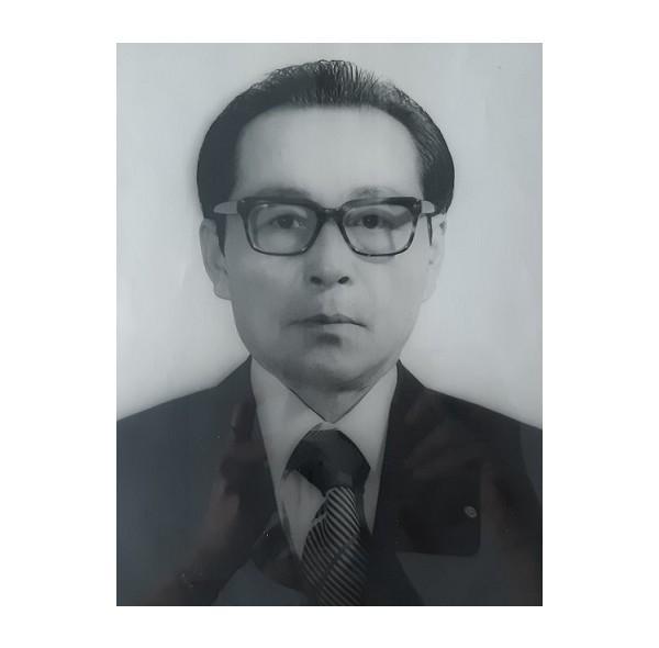 8대 이사장 노병진(1975-1977).jpg