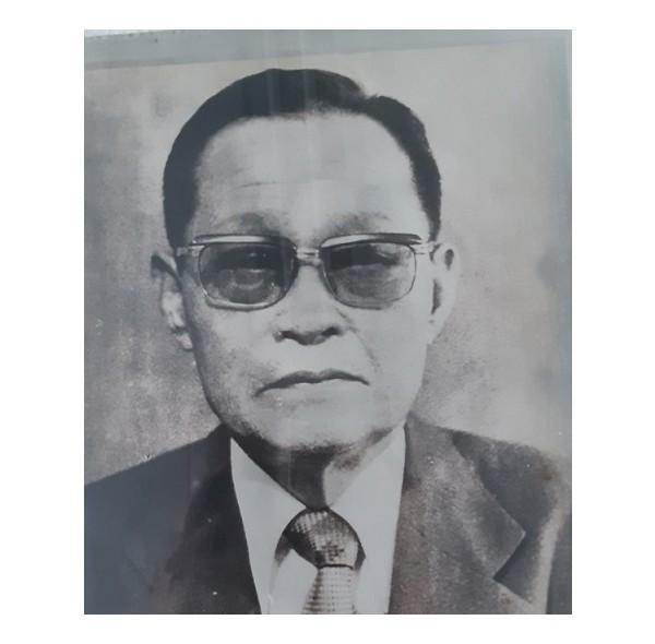 9대 이사장 김재수(1977-1978).jpg