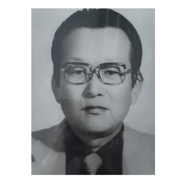11대 이사장 김석주(1982-1985).jpg