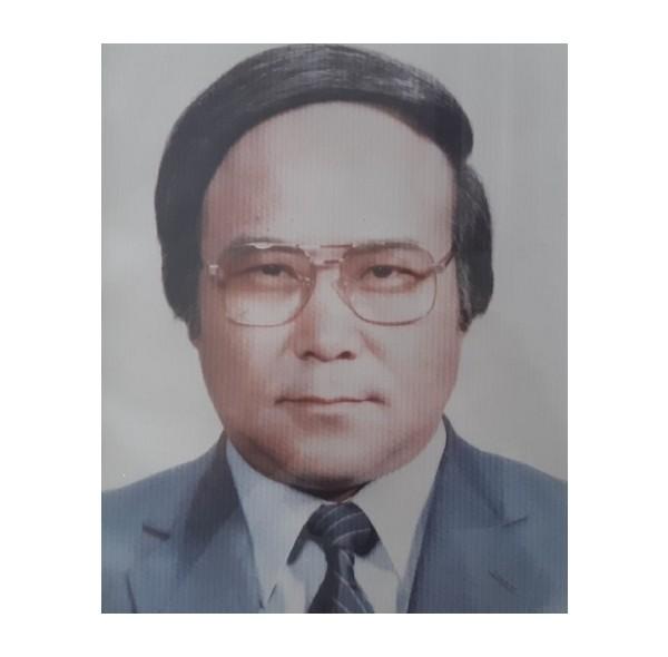 12대 이사장 김관주(1985-1986).jpg